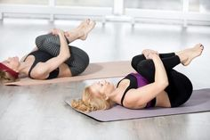 10 Easy Yoga Poses To Reduce Belly Fat: combined with other exercise and a diet to boost your body's metabolism and eliminate stubborn belly fat. Sciatica Exercises, Sciatica Pain, Chronic Sciatica, Stubborn Belly Fat, Reduce Belly Fat, Abdominal Inferior, Yoga Poses For Constipation, Bland Diet, Bloated Belly