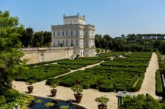 VILLA DORIA PAMPHILJ - The Green Side of Rome: Five Gardens Not to Miss   ITALY Magazine http://www.italymagazine.com/featured-story/green-side-rome-five-gardens-not-miss http://www.romeing.it/gardens-and-parks-in-rome/