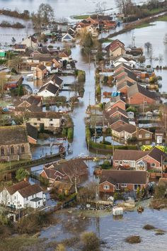The floods in Somerset earlier in 2014. Possibility of interspersing found footage with the children in the final scene. see Paul Wright's use of found footage in For Those In Peril