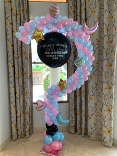 Arches & Columns - The Balloon People Christmas Cupcakes Decoration, Black Sesame Ice Cream, Cake Games, Fox Cookies, Pumpkin Spice Cupcakes, Baby Shower Balloons, Bear Cakes, Holiday Cocktails, The Balloon