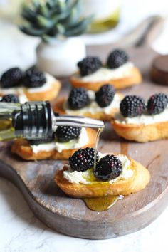 These blackberry and goat cheese crostini are a delicious pairing with Clos du Bois Chardonnay. You'll love this simple appetizer for a summer party!