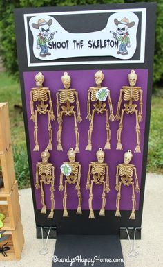 Dolloween Carnival Part Carnival Games! Puppe-Halloween-Spiel-Shoot-the-Skeleton Halloween Tags, Diy Halloween Party Games, Halloween Carnival Games, Halloween Games Adults, Halloween Circus, Creepy Carnival, Diy Carnival, Halloween Festival, Kids Party Games