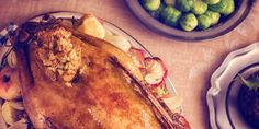 Our Expert Guide to Avoid Overeating This Christmas