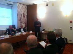 Luciano Manunta, presidente AIRA Nazionale durante la Tavola Rotonda @ IX° GPAV - Hotel Papadopoli Venezia