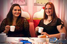 Sabrina et Charlotte ( la grande gagnante du casting Brigitte Models!) prennent le thé au Vice Versa Chantal Thomass