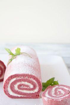 Cocina con Angi: Brazo de fresas con nata invertido