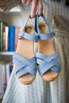 sandal clogs! #clogs #periwinkle