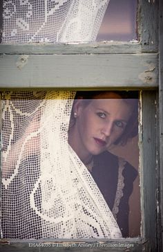 Elisabeth Ansley RETRO WOMAN PEERING OUT WINDOW Women