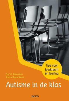 Wat betekent het om leerlingen met autisme in de klas te hebben. Veel leerkrachten hebben hier vast vragen over. Er is zoveel informatie te vinden hierover, maar een duidelijk overzicht was er nog niet echt, of kon ik niet vinden. Ik heb nu het boek Autisme in de klas Tips voor leerkracht en leerling gelezen en ben heel enthousiast hierover. Het boek is verdeeld in vier onderdelen.   #autisme #autismeindegroep #autismeindeklas #hulpkaarten #po #steekkaarten #tips