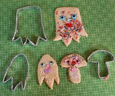 Make Your Own Cookies Cutters with foil and staples - My Paper Crane Diy Cookie Cutter, Make Your Own, Make It Yourself, Crafts For Kids, Diy Crafts, Greasy Food, How To Remove Rust, How To Make Cookies, Shaped Cookie
