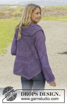 """Knitted DROPS jacket worked in a circle in garter st with lace pattern in """"Big Merino"""". Knitting Designs, Knitting Patterns Free, Free Knitting, Free Pattern, Drops Patterns, Lace Patterns, Drops Design, Crochet Cardigan, Knit Crochet"""