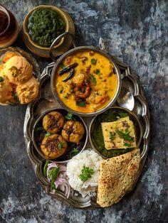 Kadhi Pakora is a gluten-free Indian curry prepared with gram flour and yogurt (curd). Learn how to make Punjabi style kadhi chawal. Pakora Recipes, Curry Recipes, Vegetarian Recipes, Easy Cooking, Healthy Cooking, Cooking Recipes, Indian Food Recipes, Asian Recipes, Veg Thali
