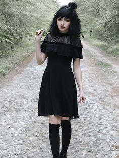 Punk Rave Black Gothic Lotus Leaf Short Sleeve Casual Dress Source by darkincloset clothes ideas Alternative Outfits, Alternative Mode, Alternative Fashion, Punk Dress, Goth Dress, Edgy Outfits, Cute Outfits, Fashion Outfits, Fashion Fashion