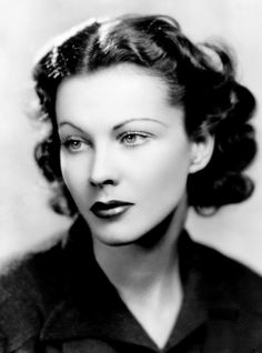Vivien Leigh, 1930s Stars D'hollywood, Hollywood Icons, Old Hollywood Glamour, Golden Age Of Hollywood, Hollywood Stars, Vintage Hollywood, Classic Hollywood, Hollywood Divas, Alexis Bledel