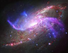 2014年も、宇宙は人類を魅了した【画像集】〜地球から2300万光年離れたところにある渦巻銀河「NGC 4258」