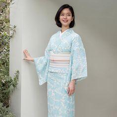 いいね!1,382件、コメント3件 ― 着物屋くるりさん(@kimonoya_kururi)のInstagramアカウント: 「くるりの夏着物【竹楊柳】牡丹唐草が数量限定で復活しました . 新商品がたくさん発売したので、プロフィールのリンク先からご覧ください☝️ . #着物屋くるり #summer #着物 #tokyo…」