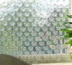 Hiasan Dinding atau Tirai dari Botol Plastik Bekas