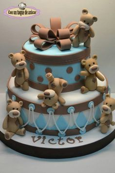 love this brown and baby blue teddy bear cake!