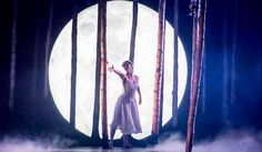 Matthew Bourne's Sleeping Beauty ballet, Ashley Shaw as Aurora, photo by Johan Persson