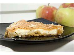 Mahlase ja vähemagusa kohupiimatäidisega õunakook.