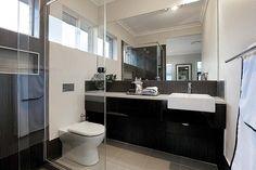 lovely black and white bathroom...