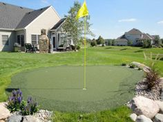 Get information on designing and installing a backyard putting green. Discover the dos and don'ts for residential putting greens from professional landscapers. Home Putting Green, Backyard Putting Green, Backyard Sports, Best Golf Clubs, Artificial Turf, Pool Landscaping, Common Area, Golf Tips, Outdoor Fun