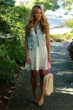 jean vest with the white dress Cute Spring Outfits, Cute Outfits, Dress With Jean Jacket, Dress Vest, Jean Vest Outfits, Gilet Jeans, Estilo Cool, Denim Vests, Mode Inspiration