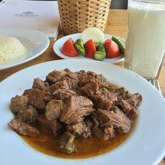 Kaçkar Kavurma - Kaçkar Restaurant - Sonbahar Sok. No:5 Ataşehir ( İçerenköy ) / İstanbul  Tel : 0216 576 61 51 Fiyat : 22 TL / 250 gr  Not : Kavurma servisi sadece cumartesi ve pazar günleri bulunmaktadır. ( % 100 dana etinden yapılmaktadır.)