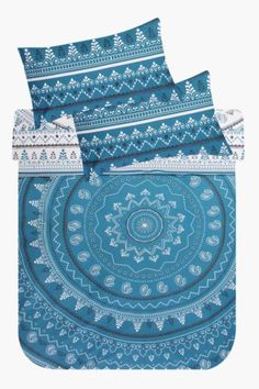 This 132 thread count polycotton duvet cover set has a urban medallion print and, will create a point of difference to your room set. Duvet Sets, Duvet Cover Sets, Mr Price Home, Bedroom Bed, Room Set, Fabric, Prints, Study, Stuff To Buy