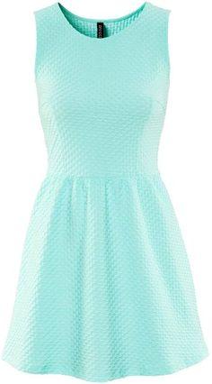 Mint green sleeveless dress #mint #dress www.loveitsomuch.com