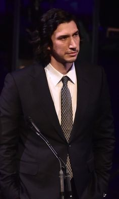 Presenting the award to Spike Lee at tonight's SAG Foundation event. Starwars, Kylo Ren Adam Driver, Famous Men, Famous People, Summer Aesthetic, Reylo, Lady And Gentlemen, Most Beautiful Man, Man Alive