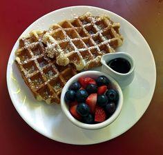 best american breakfast in london, eds diner waffles