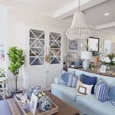 Examples Of Coastal Decor. Make sure to customize every single coastal decor room with your design. While it should appear great for company, you will end up staying in it. Hamptons Living Room, Cottage Living Rooms, Coastal Living Rooms, Die Hamptons, Hamptons Style Decor, Hamptons Beach Houses, Style At Home, Beach House Decor, Home Decor