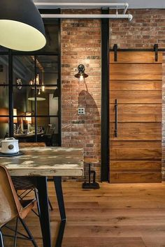 50 Easy Urban Industrial Decor ideas To Nail Your Industrial Apartment Modern Decor, Decor, Industrial Interior Design, Home Interior Design, House Design, Vintage Industrial Furniture, House Interior, Industrial Style Interior, Industrial Style Decor