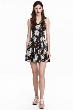 Dżersejowa sukienka - Czarny/Kwiaty - ONA | H&M PL 1