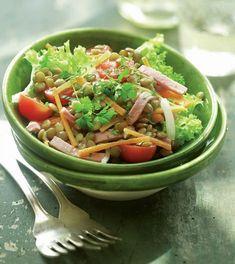 Serveste o salata de linte la cina, sau la pranz, caci este suficient de satioasa incat sa-ti tina de foame, insa fara a pica greu. Guacamole, Quinoa, Salsa, Vitamins, Tacos, Good Food, Food And Drink, Mexican, Lunch