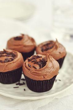 Vegan Love: Dark Chocolate Cupcakes with Rich Chocolate Frosting