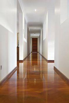 resina epoxi marrom corredor porta