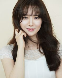 Koo Hye-seon to pitch for charity baseball game @ HanCinema :: The Korean Movie and Drama Database