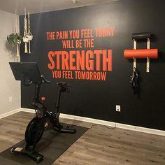 Pegatinas de ejercicio Calcomanía de pared de gimnasio   Etsy Home Gym Basement, Home Gym Garage, Gym Room At Home, Home Gym Decor, Office Decor, Workout Room Home, Workout Rooms, Wall Workout, Dream Home Gym