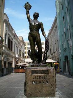 Pasaje Olaya, muy cerca de la Plaza de Armas.