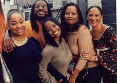 the cosby kids clan minus lisa (as always): raven symone, malcolm jamal warner, keisha knight pulliam, tempest bledsoe and sabrina labeauf (olivia,  theo, rudy, vanessa and sandra). Black Actors, Black Celebrities, Celebs, Keisha Knight Pulliam, Cosby Kids, Black Sitcoms, Black Tv Shows, The Cosby Show, Black History Facts