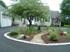 Circle Driveway Garden and Terrace - Terrascapes
