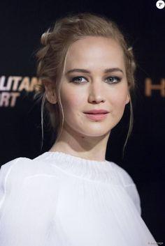 """Jennifer Lawrence lors de la première du film """"The Hunger Games - La Révolte : Part 2 » au Grand Rex à Paris, le 9 novembre 2015. © Olivier Borde"""