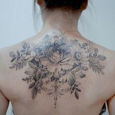 Blackwork Inspiration Inkstinct It is a free pattern Its been a long time since its a free drawing Ive drawn it Back Tattoo Women Upper, Upper Back Tattoos, Girl Back Tattoos, Baby Tattoos, Tattoo Girls, Feminine Back Tattoos, Floral Back Tattoos, Flower Tattoo Back, Flower Tattoos