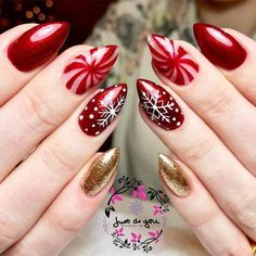 27 Festive and easy Christmas nail art designs you must see and try this holiday season.Capture the holiday spirit with these Christmas nail art ideas. Cute Christmas Nails, Christmas Nail Art Designs, Xmas Nails, Holiday Nails, Fun Nails, Christmas Holiday, Bright Nail Art, Elegant Nail Art, Toe Nail Designs