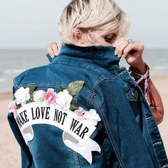 This amazing denim jacket is now on blog - link in bio ❤☺ . #fashion #blogger #littlebohoblog #boho #bohemian #gypsy #ootd #denim #summer #beach
