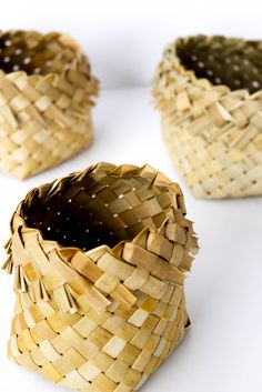I am offering an introduction to the Māori art of flax weaving in an intensive one day workshop in my studio. This is a workshop suitable for beginners. What do you get an introduction about types … Flax Weaving, Weaving Art, Basket Weaving, Flax Flowers, Maori Designs, Basket Crafts, Textile Sculpture, Bamboo Crafts, Maori Art