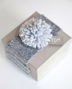 Get creative with Christmas gift wrapping this year with these easy christmas gift wrapping ideas that will make your presents look professionally wrapped Wrapping Gift, Creative Gift Wrapping, Christmas Gift Wrapping, Wrapping Ideas, Creative Gifts, Wrapping Papers, Cozy Christmas, Christmas Gifts, Christmas Knitting