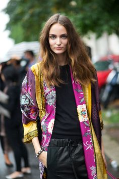 Ciao Bellas! Milan Street Style | MFW SS 2015 | Hair: effortless natural waves and texture.